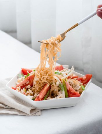 thai instant noodle salad (yum mama)