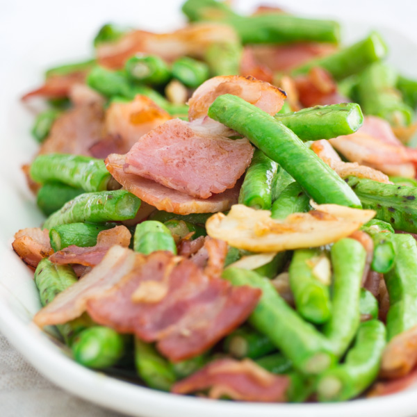 longyard beans stir fry with bacon