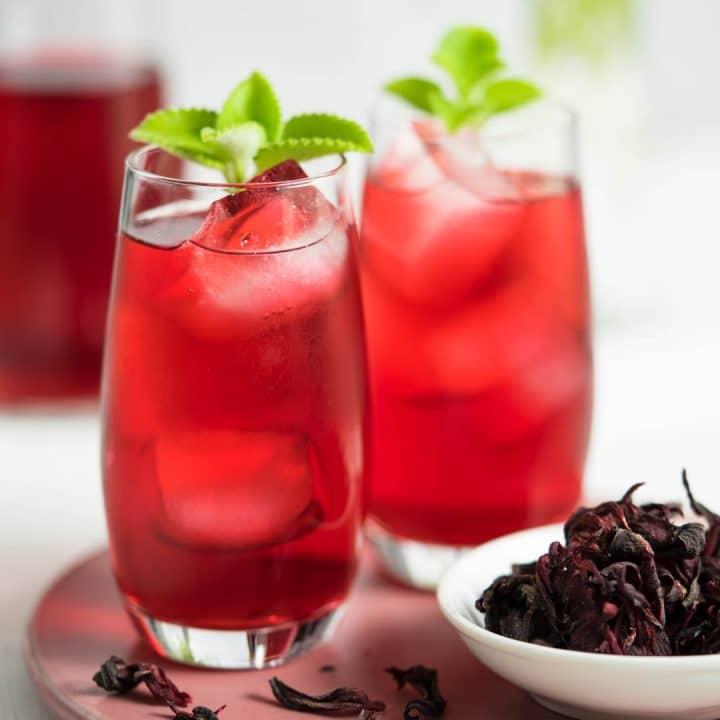 two glasses of iced hibiscus tea | Nam Krajeab | น้ำกระเจี๊ยบ
