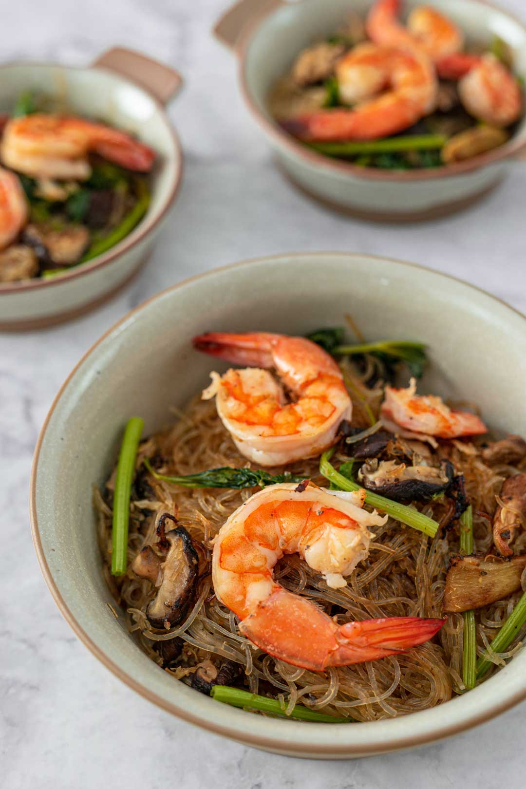 bowls of goong ob woonsen