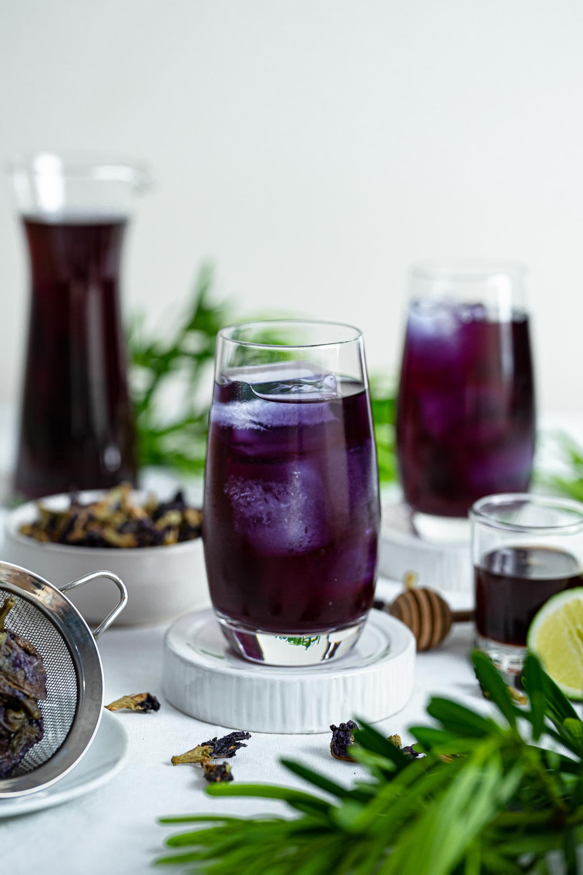two glasses of butterfly pea tea